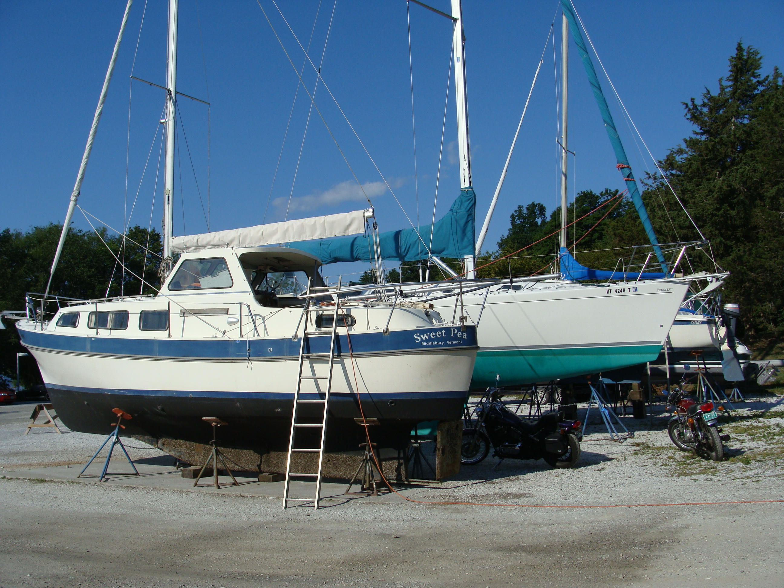 sailboat keel, weekly art lesson, Point Bay Marina